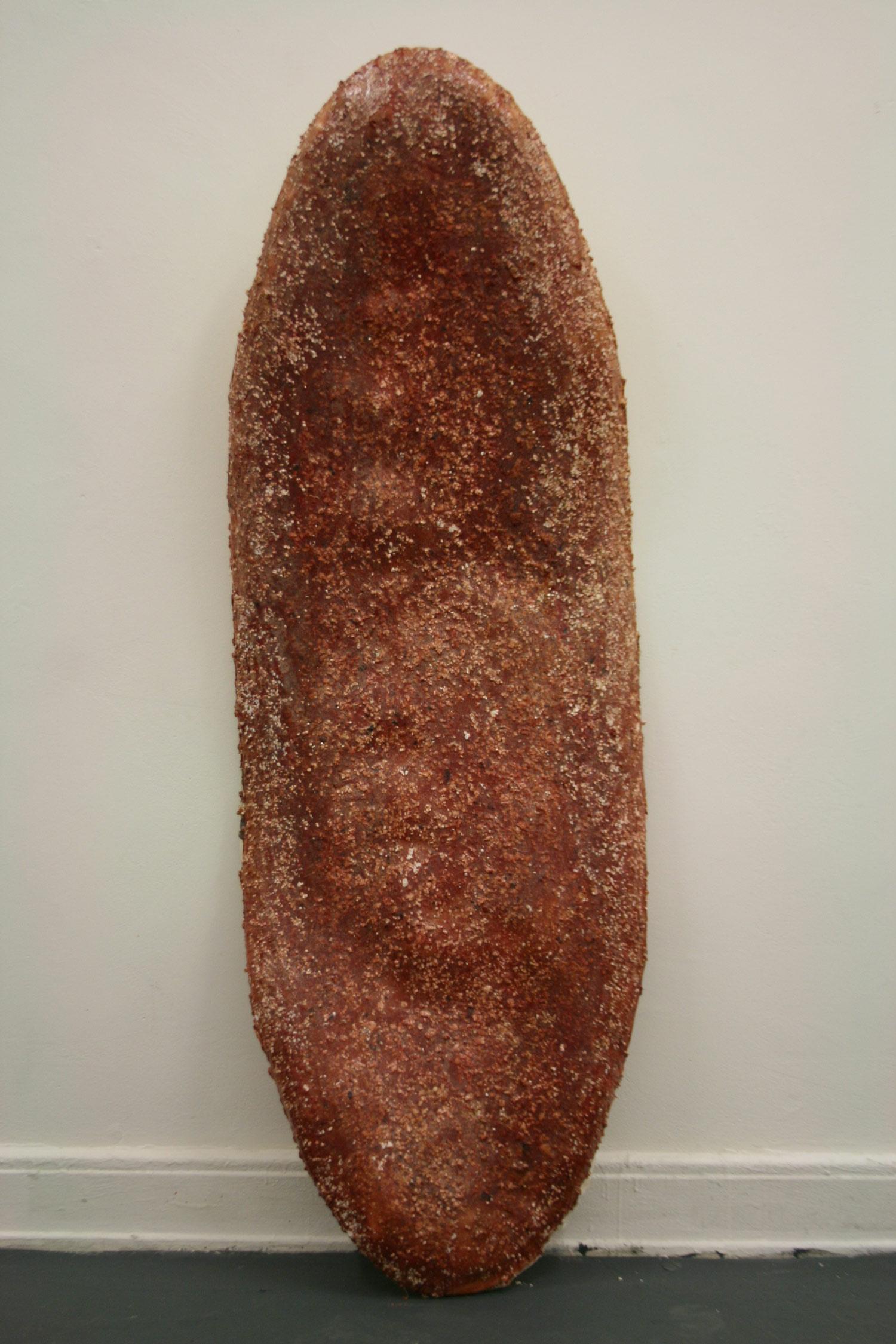 Laura Link . ohne Titel . 2013 . Pigment, Styrophor, Knochenleim, Schaumstoff, Holz, Leinwand . 185 x 60
